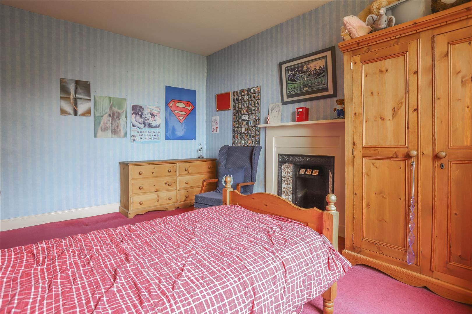 6 Bedroom Detached House For Sale - 19.JPG
